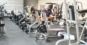 cardio-nantes-carquefou-salle-de-sport-fitness-44-musculation-accueil